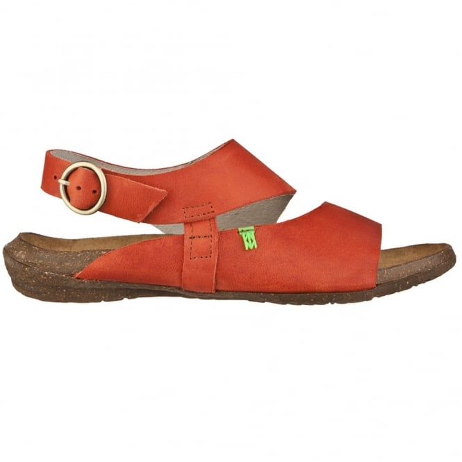 El Naturalista N447 Wakataua Sandal Sunset, adapts to the foot's natural shape with its comfort shaping and anatomical insoles