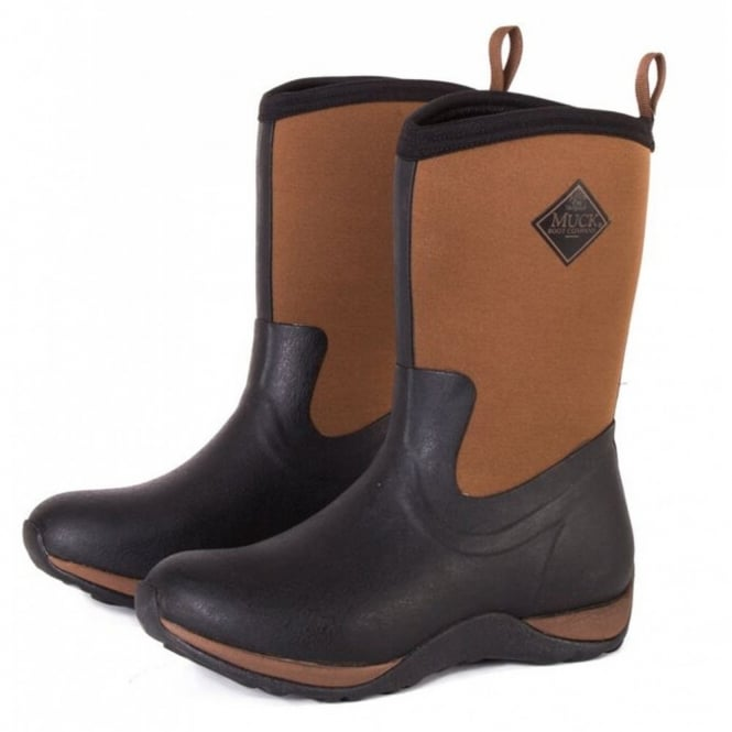 The Muck Boot Company Arctic Weekend Plain Black/Tan, mid height, lightweight, fleece lined neoprene winter welly