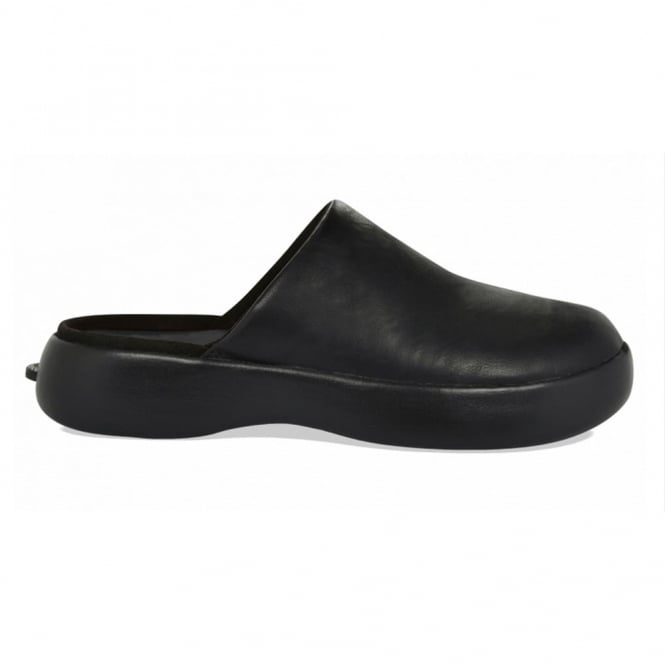 Daisy Pro PU Black, incredibly lightweight slip on clog with slip resistant sole