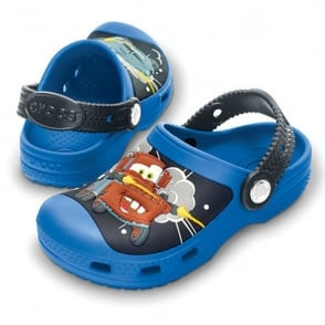 Creative Crocs Mater & Finn McMissile Clog Sea Blue/Graphite, Race around in comfort in clogs topped with Cars!