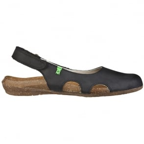 El Naturalista N413 Wakataua Slingback Black, adapts to the foot's natural shape with its comfort shaping and anatomical insoles